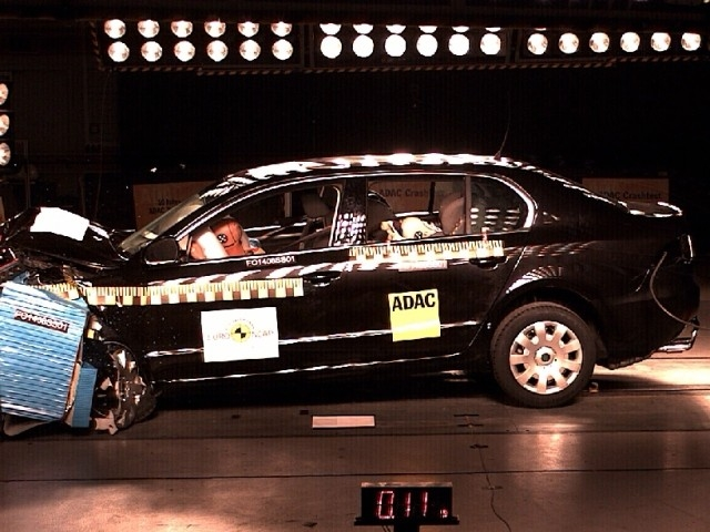Skoda Superb Crash Test